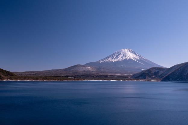 本栖湖と富士山・1