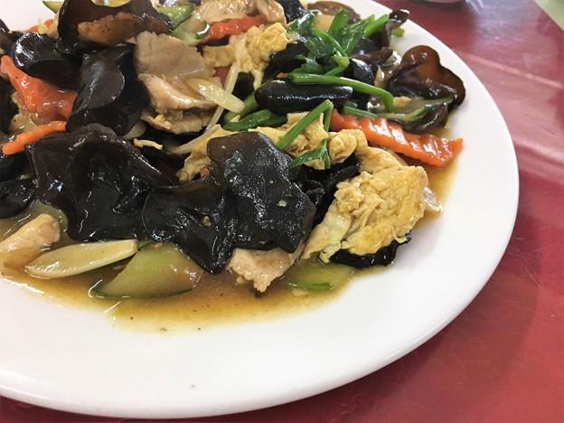 遼寧餃子館 餃子と木耳炒め (8)