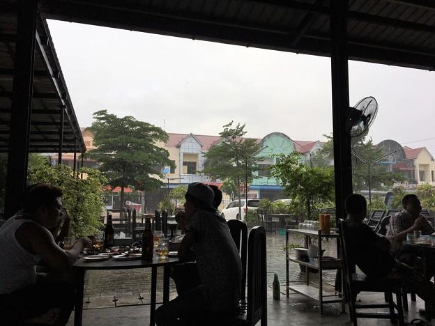 雲南料理と大雨と青空 (10)