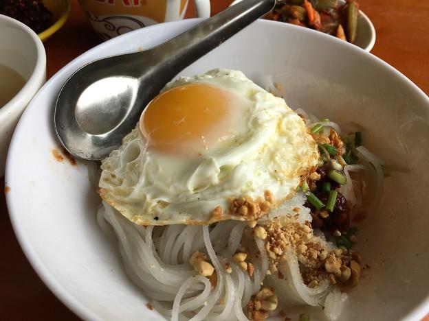 麺と目玉焼き (3)