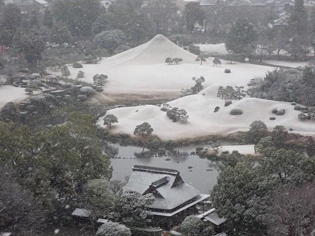 水前寺富士の雪化粧 2020年12月30日