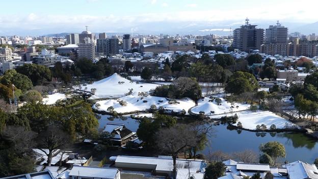 水前寺成趣園の雪景色