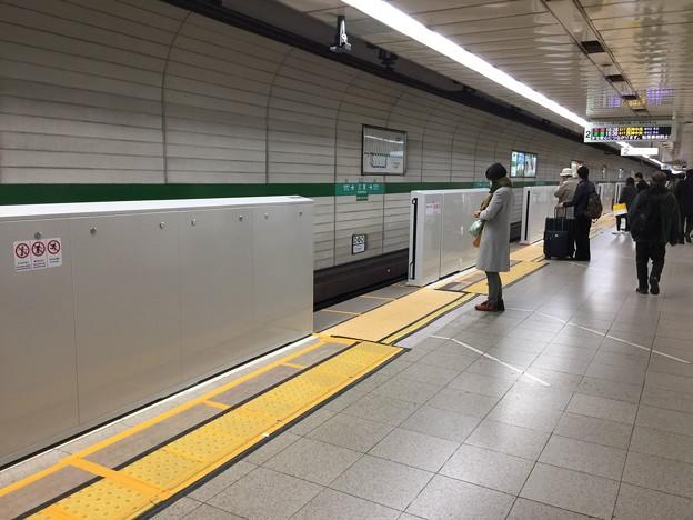 20180216神戸地下鉄三宮駅ホームドアIMG_0224
