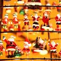 サンタがいっぱい