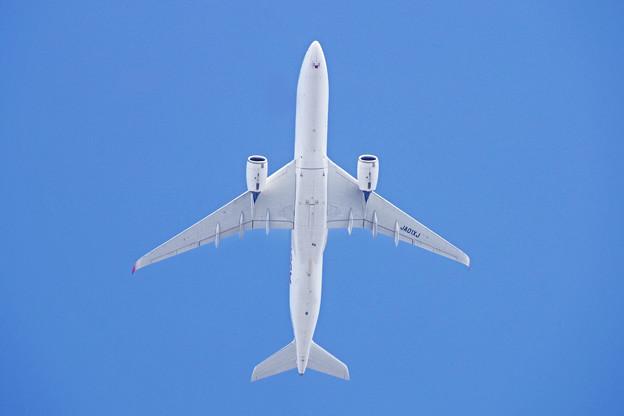 JA01XJ  JAL   A350-900