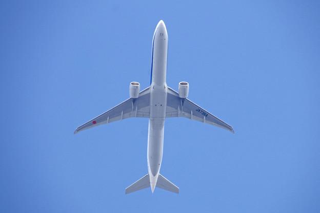 JA736A  ANA   777-300
