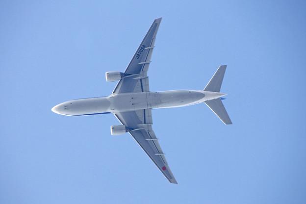 JA705A  ANA   777-200
