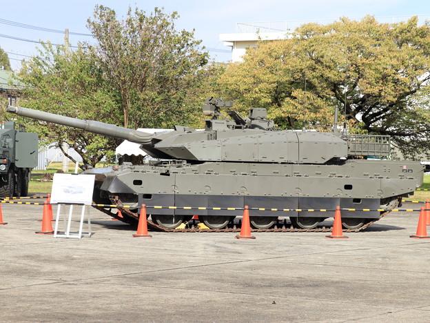 20191026陸上装備研究所-1__10式戦車 (3)