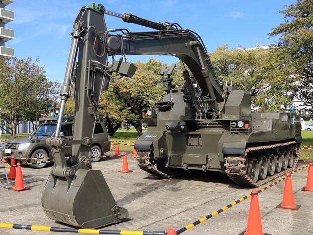 20191026陸上装備研究所-4_CBRN対応作業車 (1)