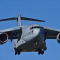 C-2輸送機、三保基地より飛来