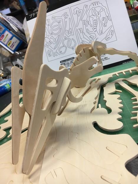 木製組み立て工作恐竜プテラノドン05