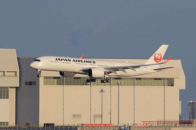 Photos: JAL A350/4号機