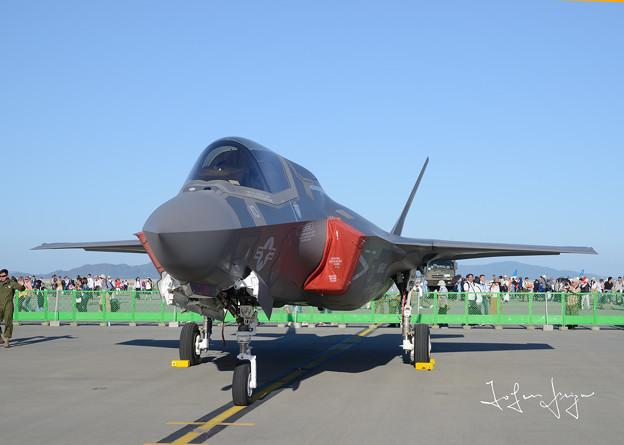 F-35B正面左