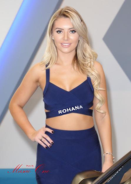 Photos: ROHANA外人ブルー衣装