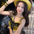 Photos: GORDON明梨菜帽子に手