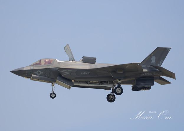 F-35Bホバリング左サイド