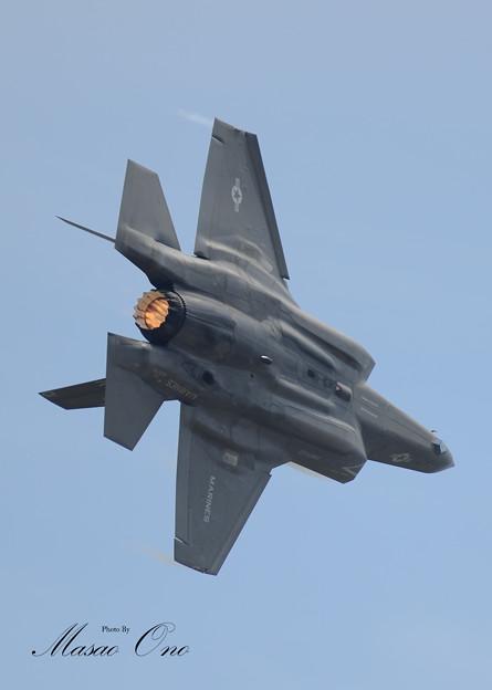 F-35B旋回