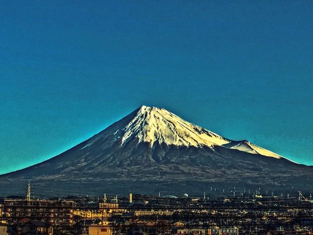 朝日の当たる山 ~2019晩秋~