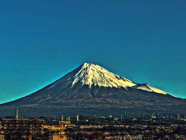 Photos: 朝日の当たる山 ~2019晩秋~