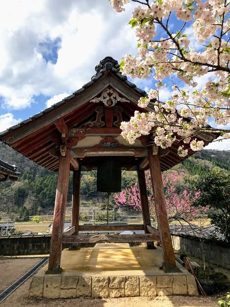 蓮華寺の鐘楼