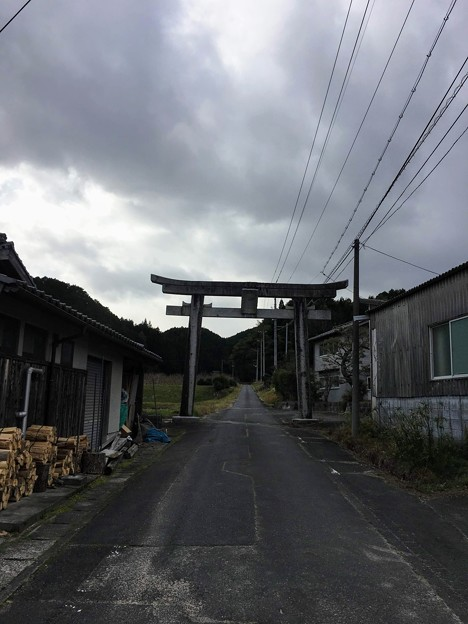 サムハラ神社参道の鳥居