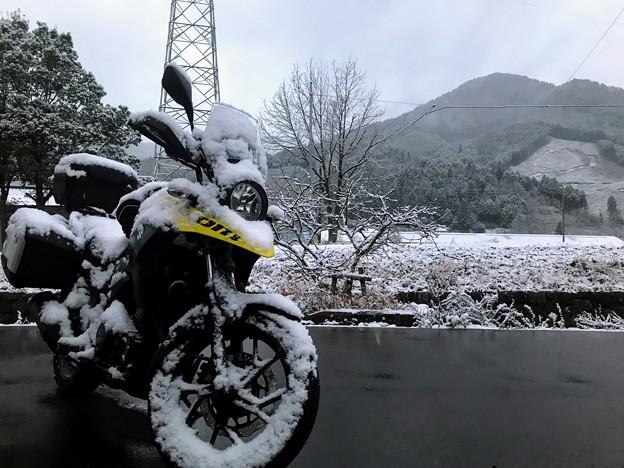 Photos: バイクが雪だるまに!