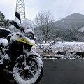 バイクが雪だるまに!