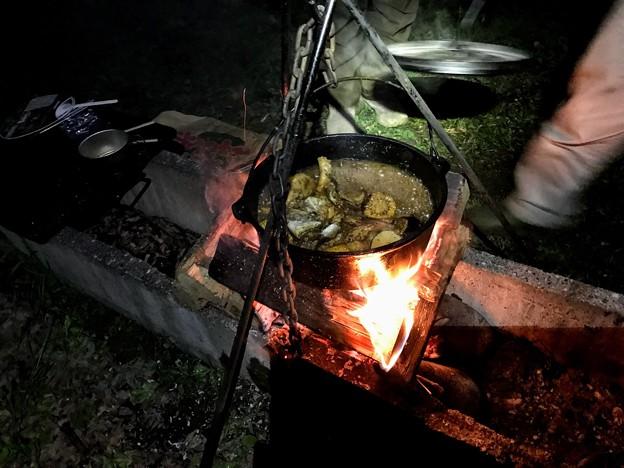 墓ノ木自然公園キャンプ場のキャンプ飯 ダッジオーブン