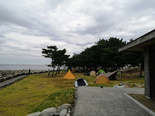 キャンプ場 端の東屋から