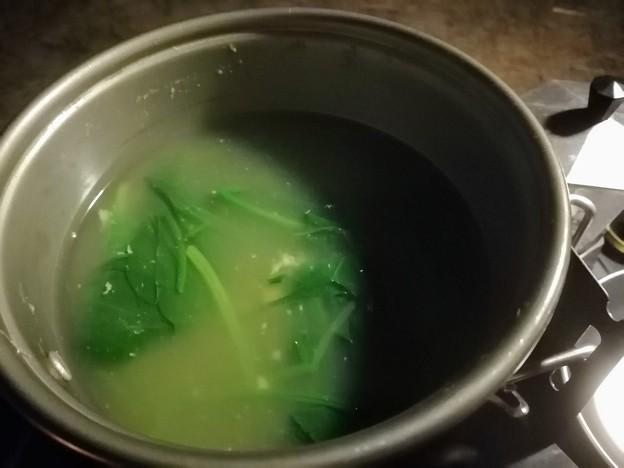 モサエビとほうれん草のスープ