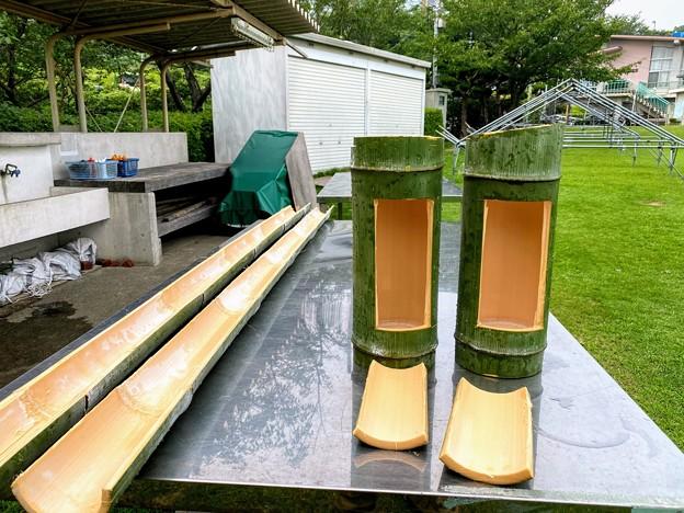 流しそうめんの樋と青竹炊飯の器