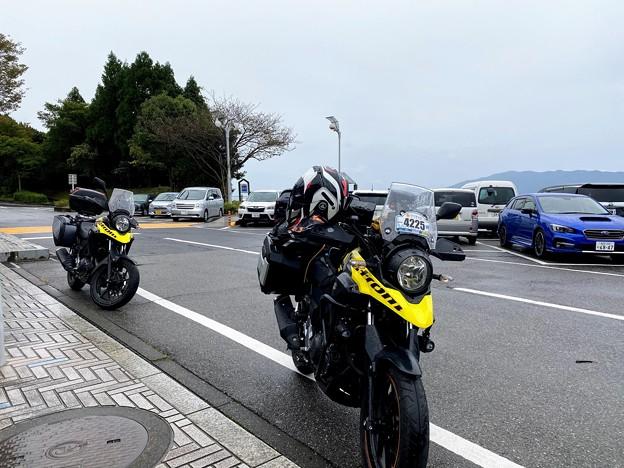 同じ神戸で同じ色のVstromとこんな地で遭うとは