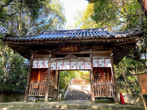 牛窓神社の隋身門