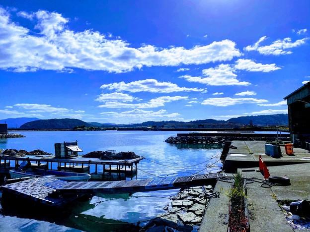 玉津食堂から眺める漁港