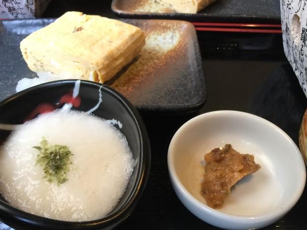 牛タン べこ串