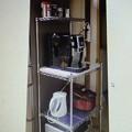 写真: 台所のラックを