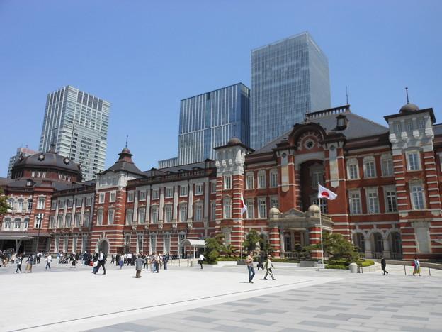 東京駅・駅前広場の北側ぞ臨む