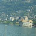 写真: スイスの鉄道の車窓から~レマン湖・シオン城