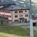 スイス ツェルマット ゴルナーグラート登山鉄道から見たリッフェルハウス