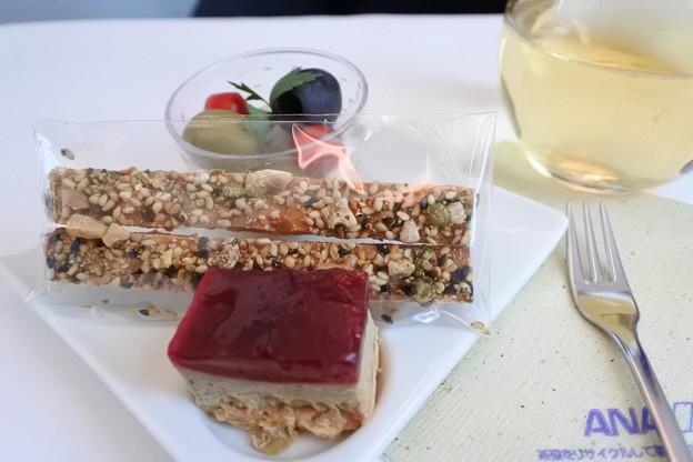 ANA・ヨーロッパ線*ビジネスクラスの食事1