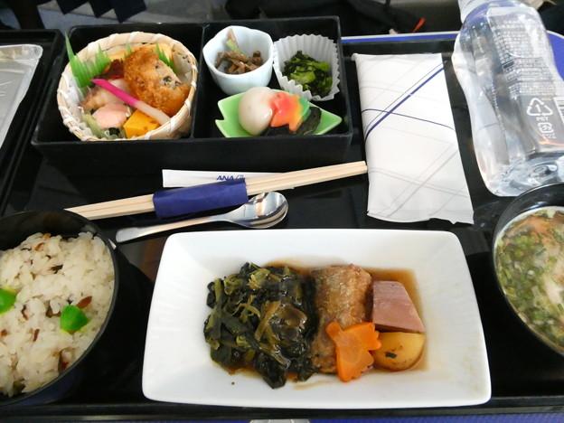 ANA・プレミアムクラスの昼食
