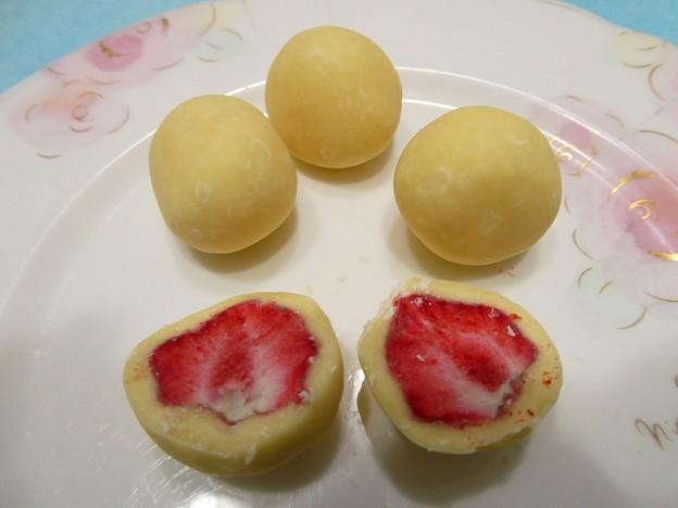 六花亭*ストロベリーチョコレート4