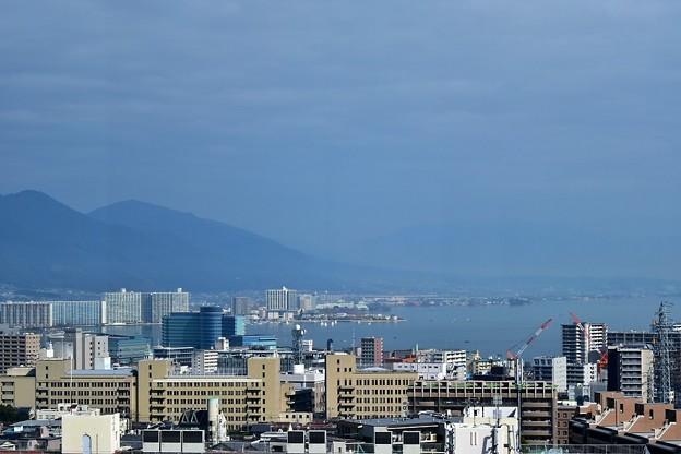 写真: 大津SAから琵琶湖の眺め