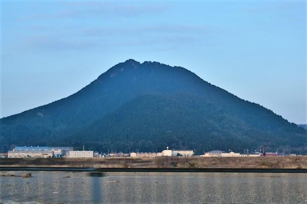 写真: 三上山(近江富士)