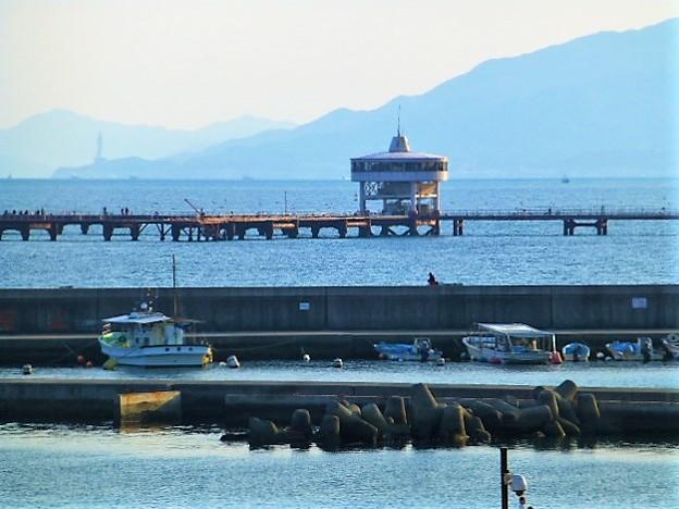 須磨海岸沖に位置する 須磨海づり公園