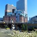 写真: 梅田の街並み