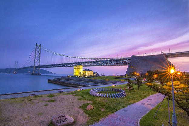 写真: 明石海峽大橋