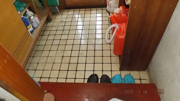 2020/01/16(木)・玄関を拭き掃除(#^^#)