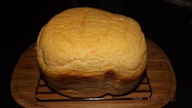 2020/03/26(木)・HBで色のキレイなキャロット食パン