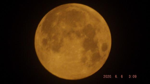 2020/06/06(土)のお月様(満月・ストロベリームーン)